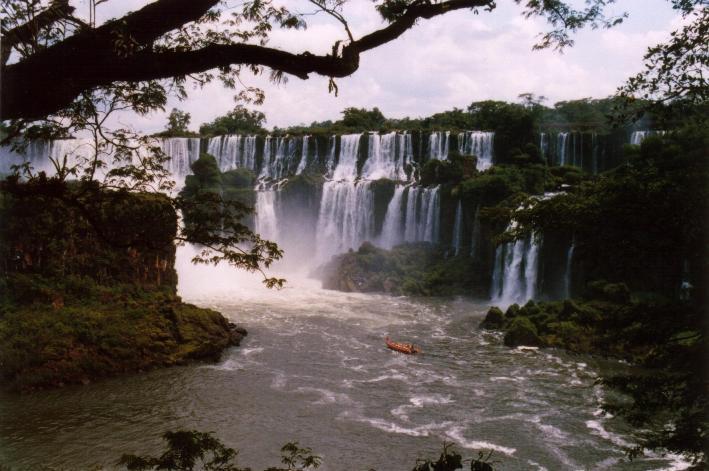 Cataratas_del_Iguazu_Misiones_Argentina