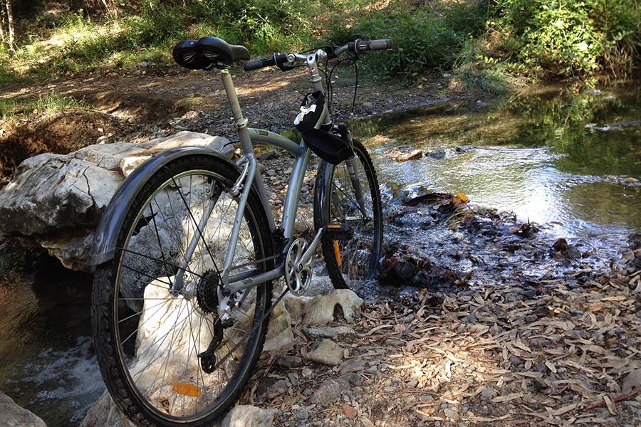 Andar en bicicleta en la montaña, actividad de las casas rurales